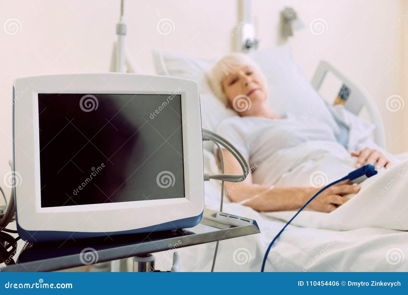 Stäng sig upp av medicinsk utrustning för hjärtahastighet i sjukhus