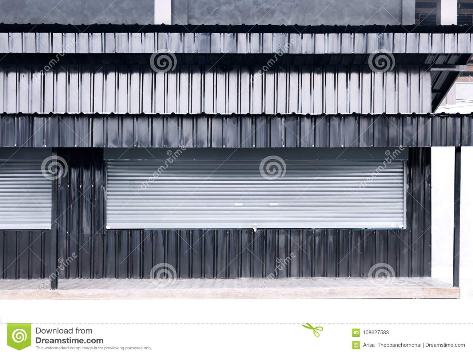 Stänga med fönsterluckor corr för textur för zink för metall för det rulldörraluminium och arket