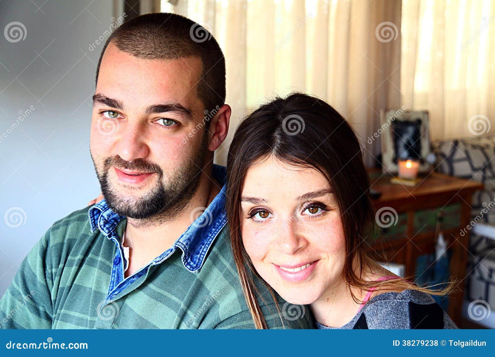 Stående av barn att gifta sig turkiska par