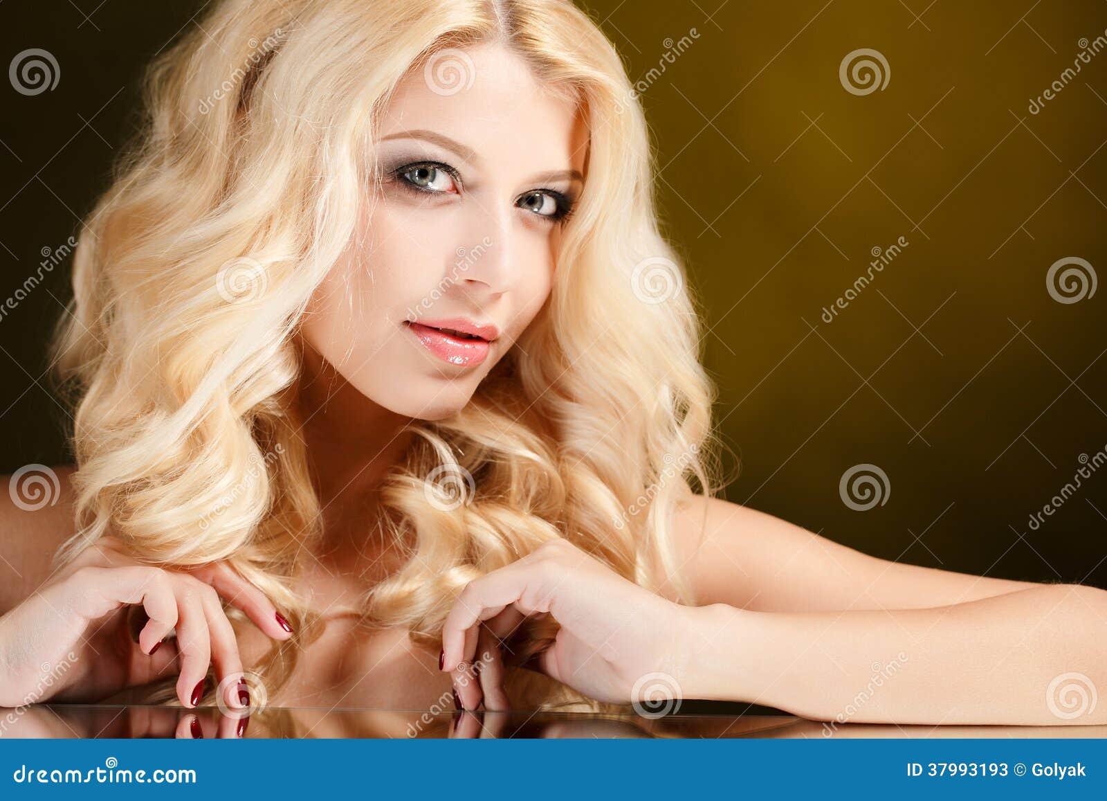 perfekt affär blond i Gävle