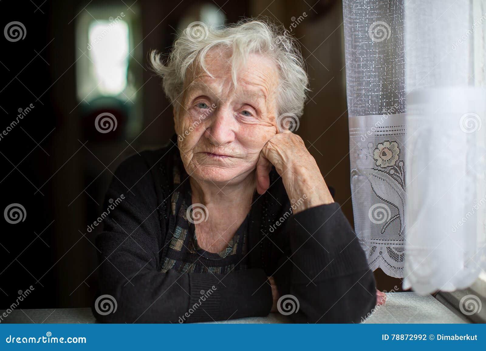 Äldrekontakt - hjälper äldre ur ensamhet