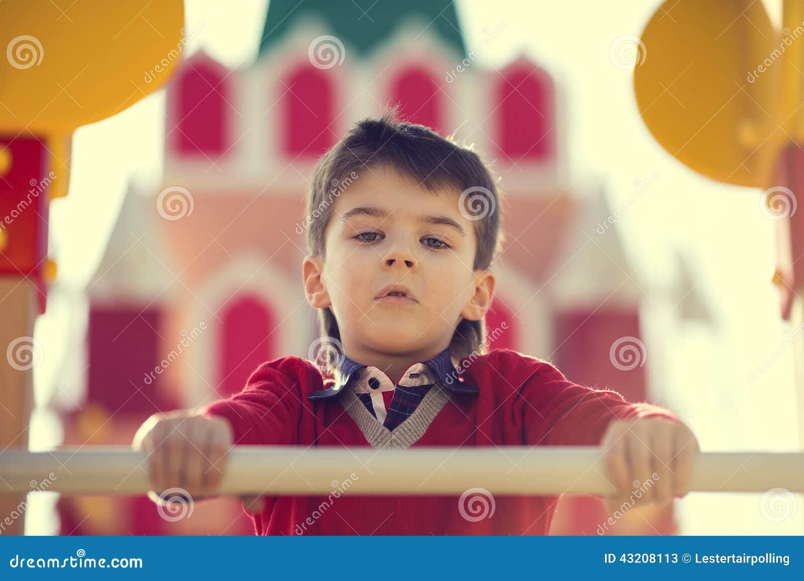Download Stående av en pojke fotografering för bildbyråer. Bild av stående - 43208113