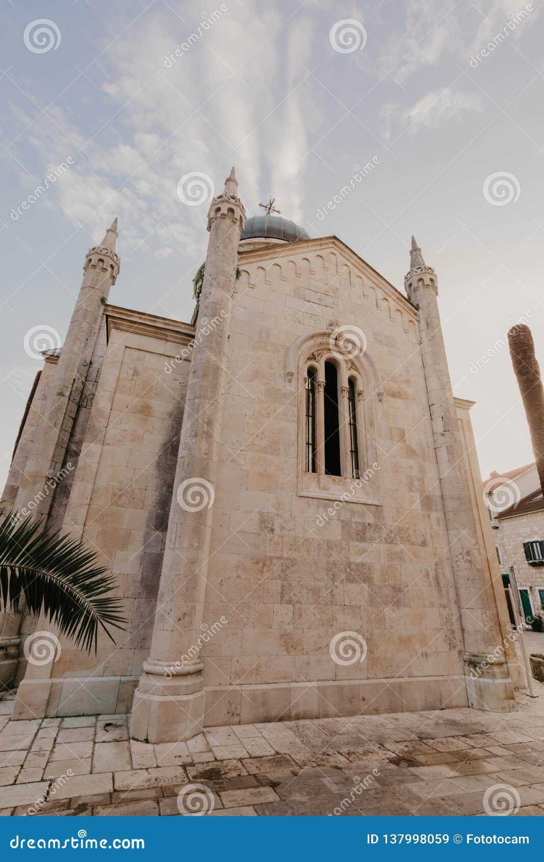 St-ärkeängel Michael Church, Hegceg Novi, Montenegro - bild