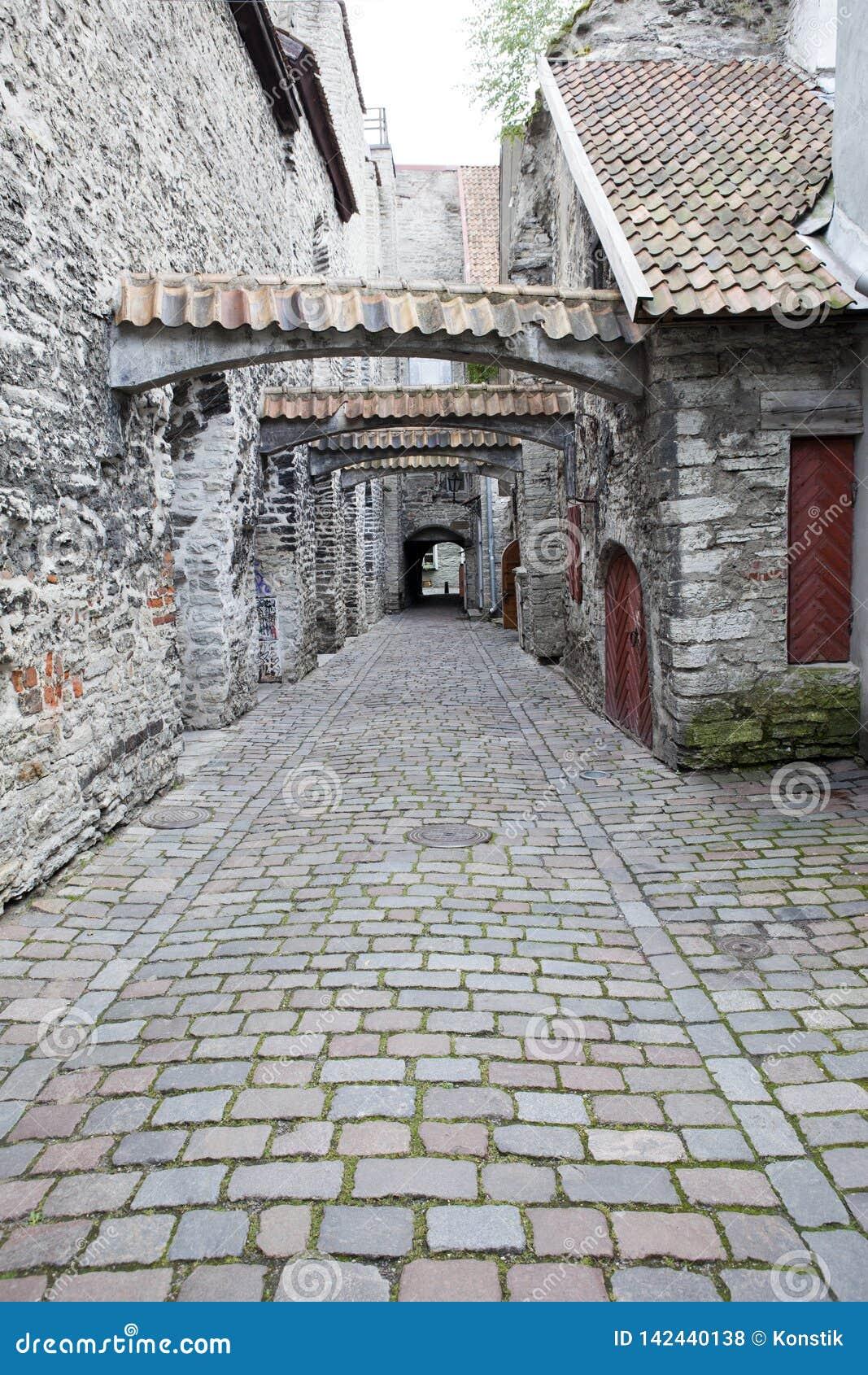 St Catherine Passage - un piccolo passaggio pedonale nella vecchia città Tallinn, Estonia