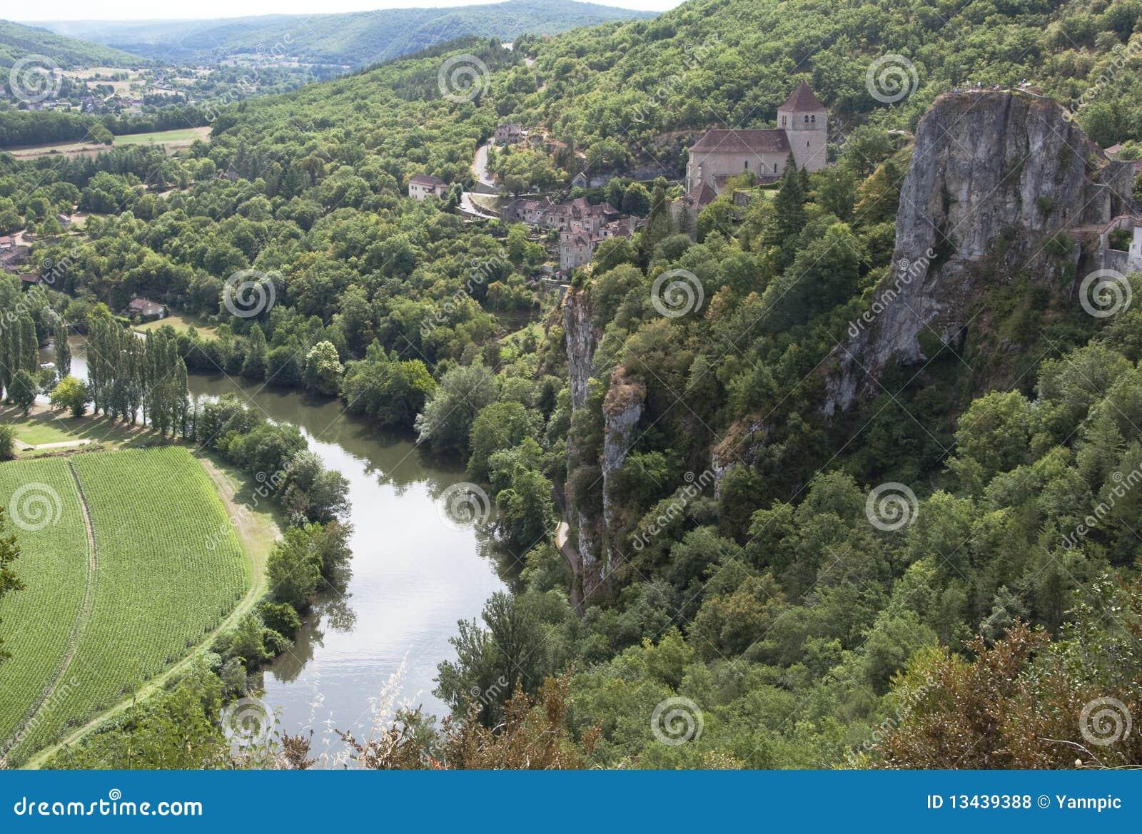 St Cyr Lapopie, aldea francesa del clifftop