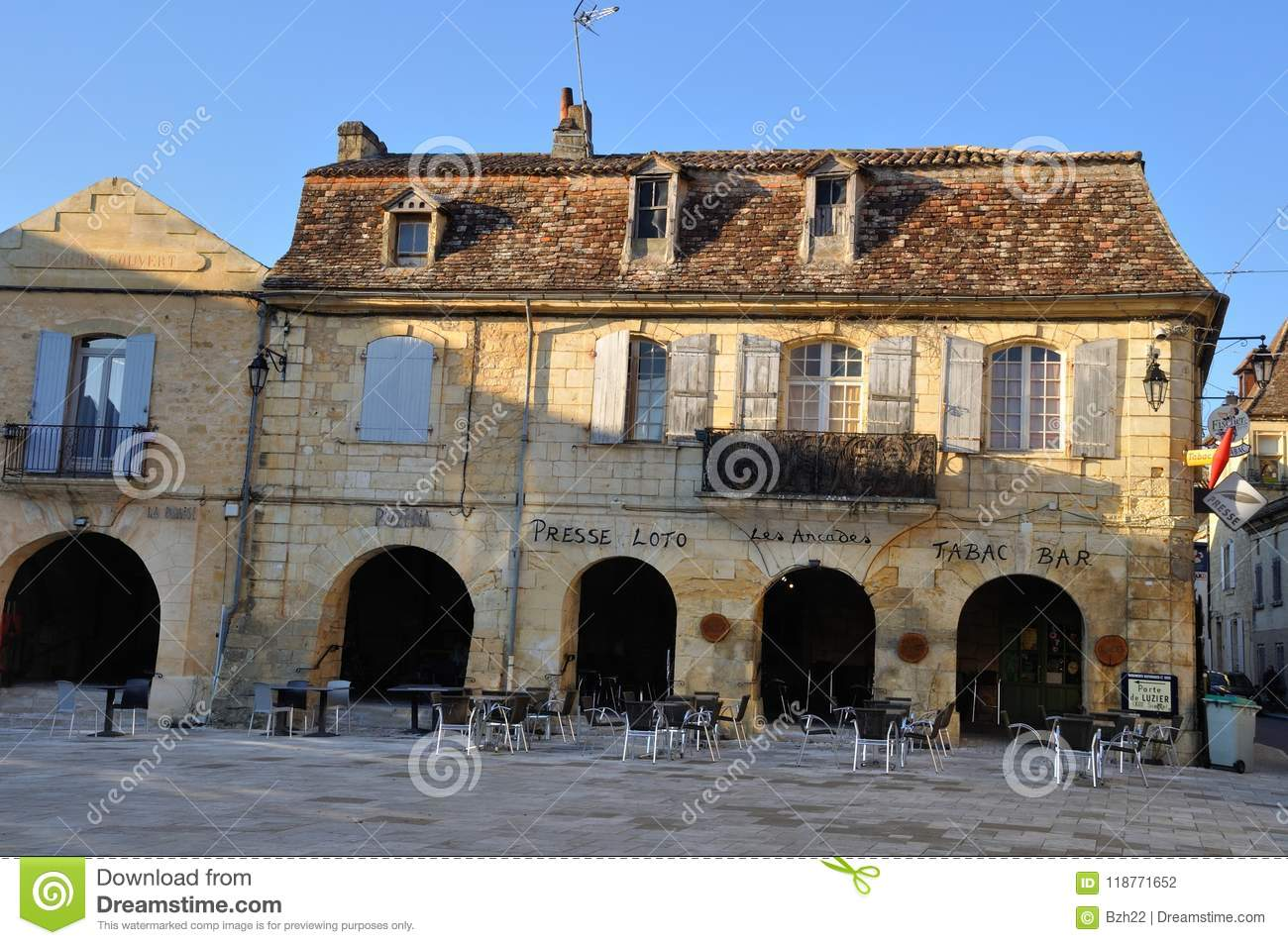 fort towns of france the bastides of the dordogne and aquitaine