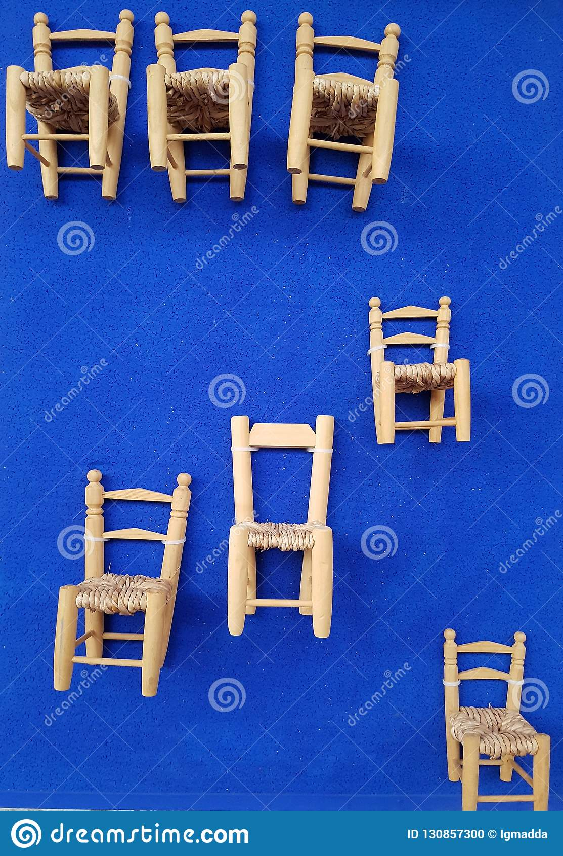 Sthle stockfoto. Bild von wand, sitz, holz   130857300