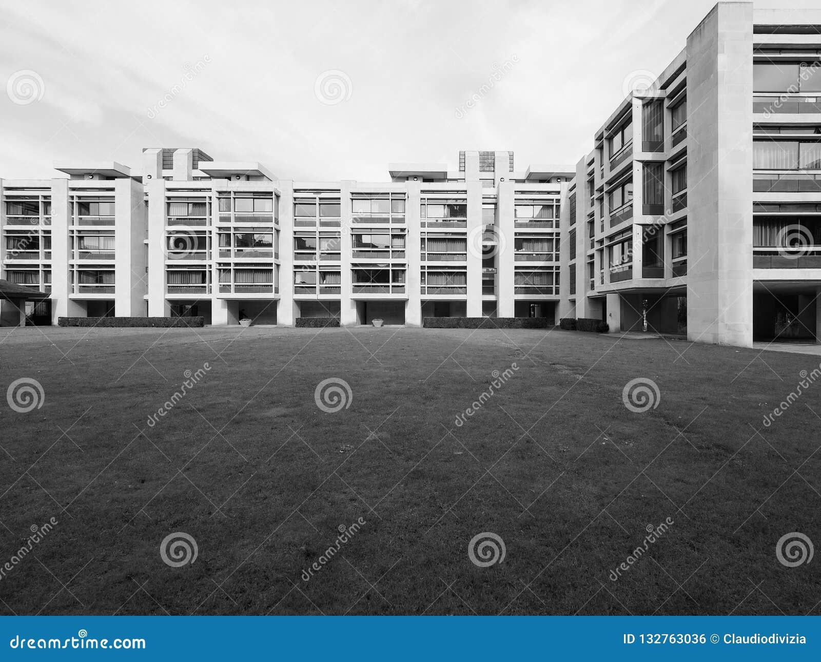 St John Universiteit Fisher Building in Cambridge in zwart-wit