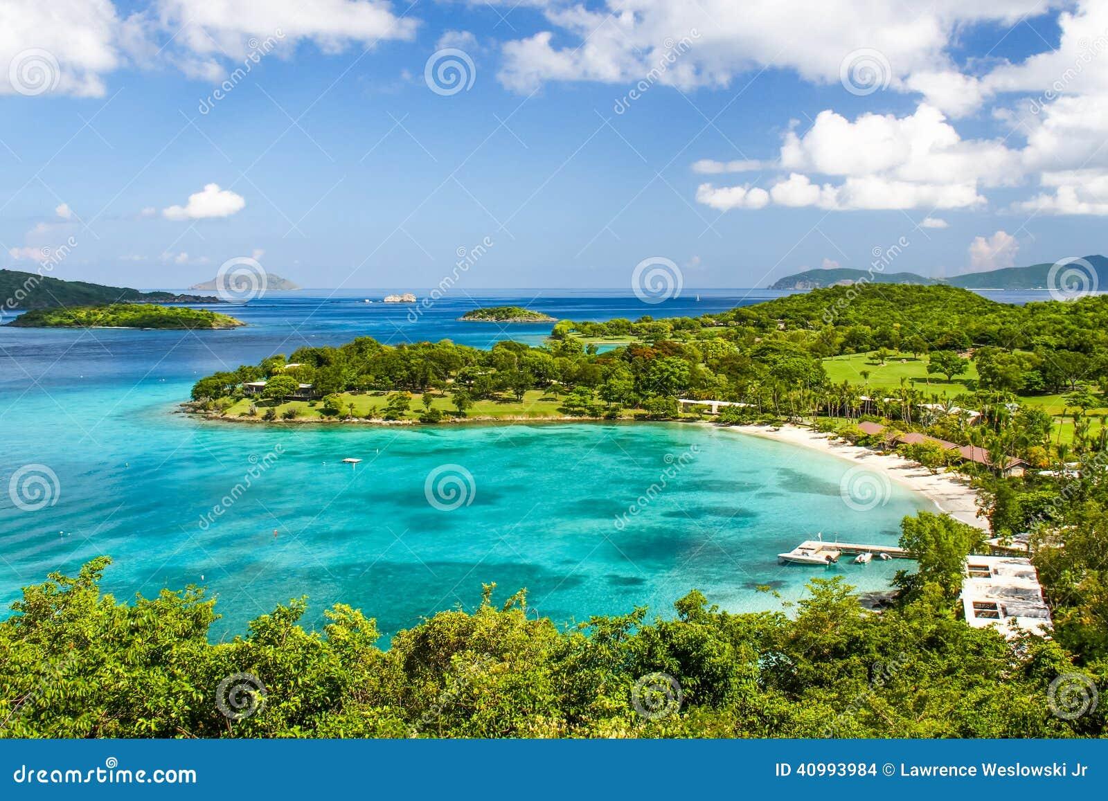 St John, USVI - località di soggiorno tropicale della spiaggia della baia di Caneel
