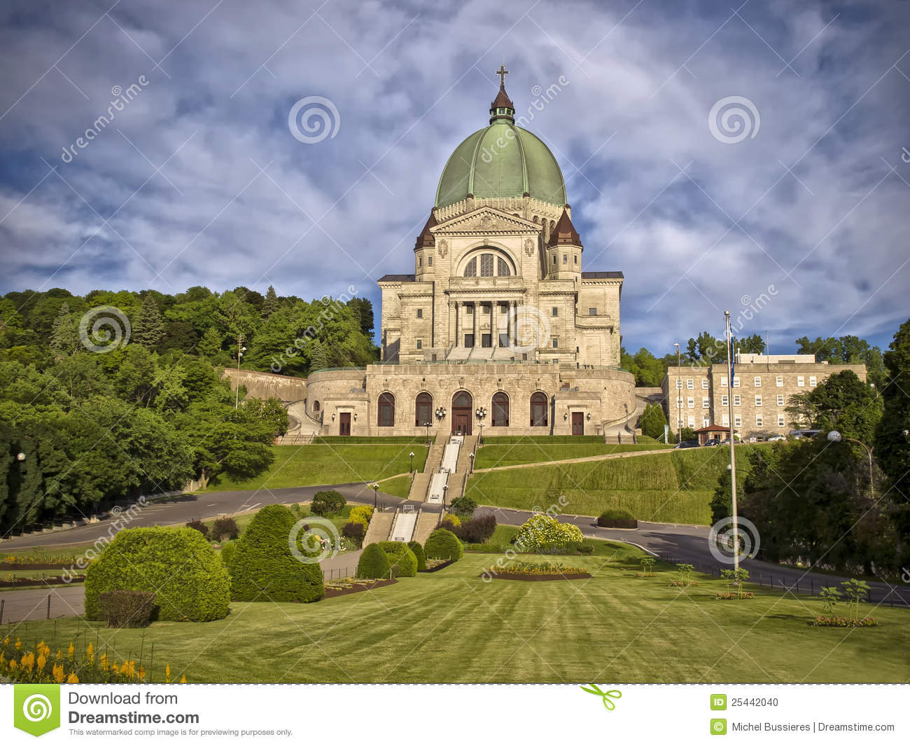 St joseph s oratory is one of the most triumphal pieces of church