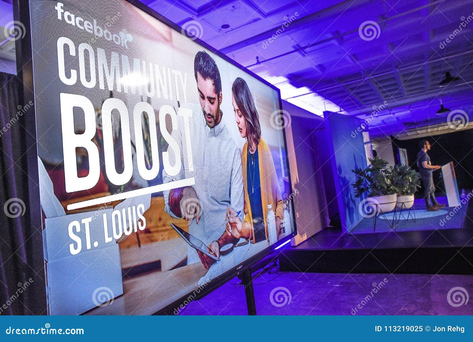 St Louis, Missouri, Zlany marzec 27, 2018-Video ekran i mówca przy Facebook społecznością, Podnosi wydarzenie w St Louis