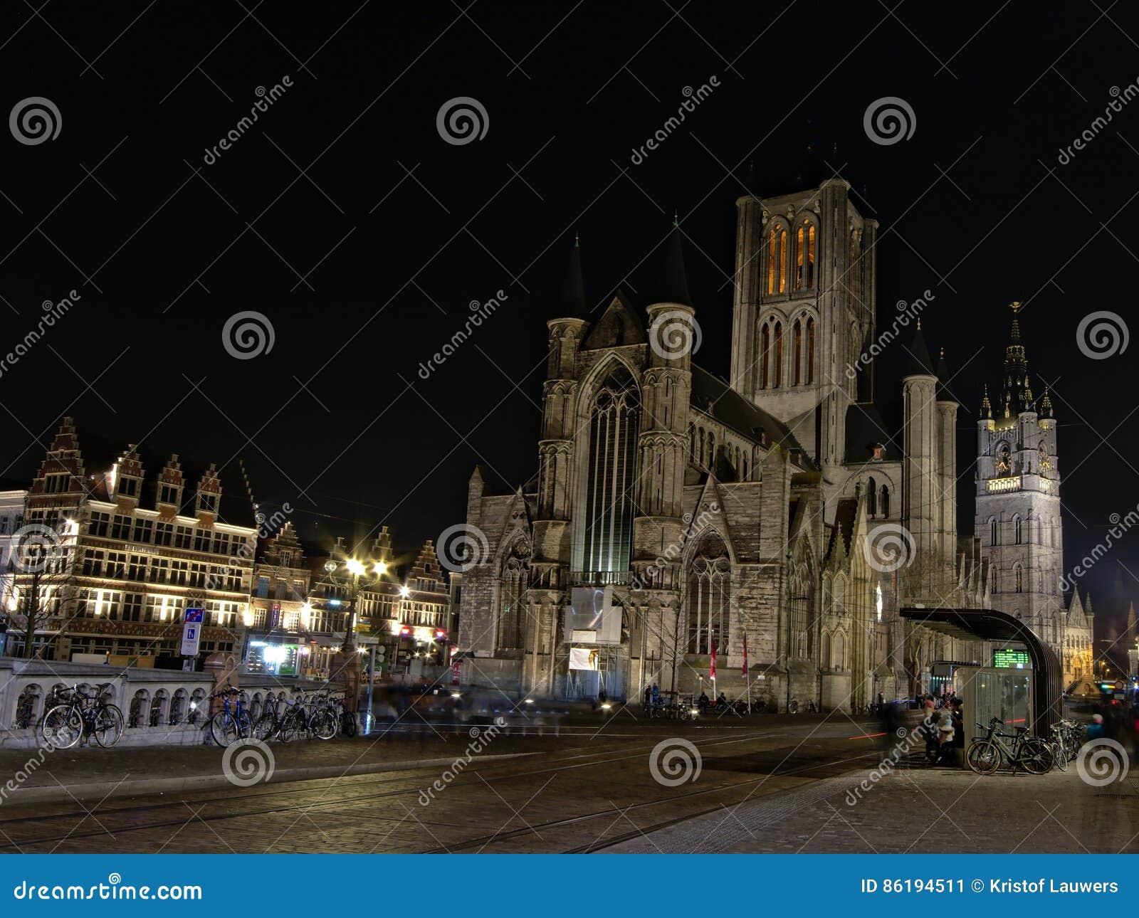 St Nicholas kyrka på natten, Ghent