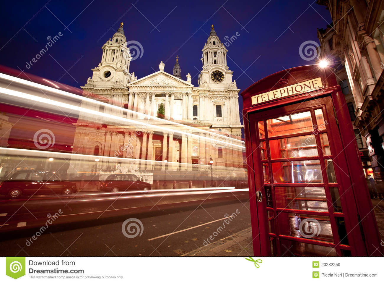 St Paul s cathedral facade, bus and phone box