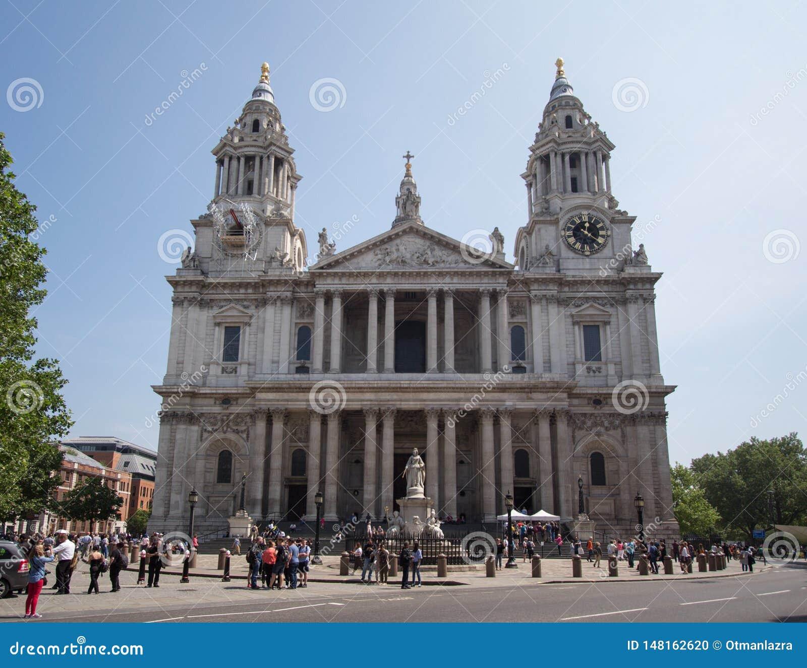 St Pauls Cathedral dans la ville de Londres