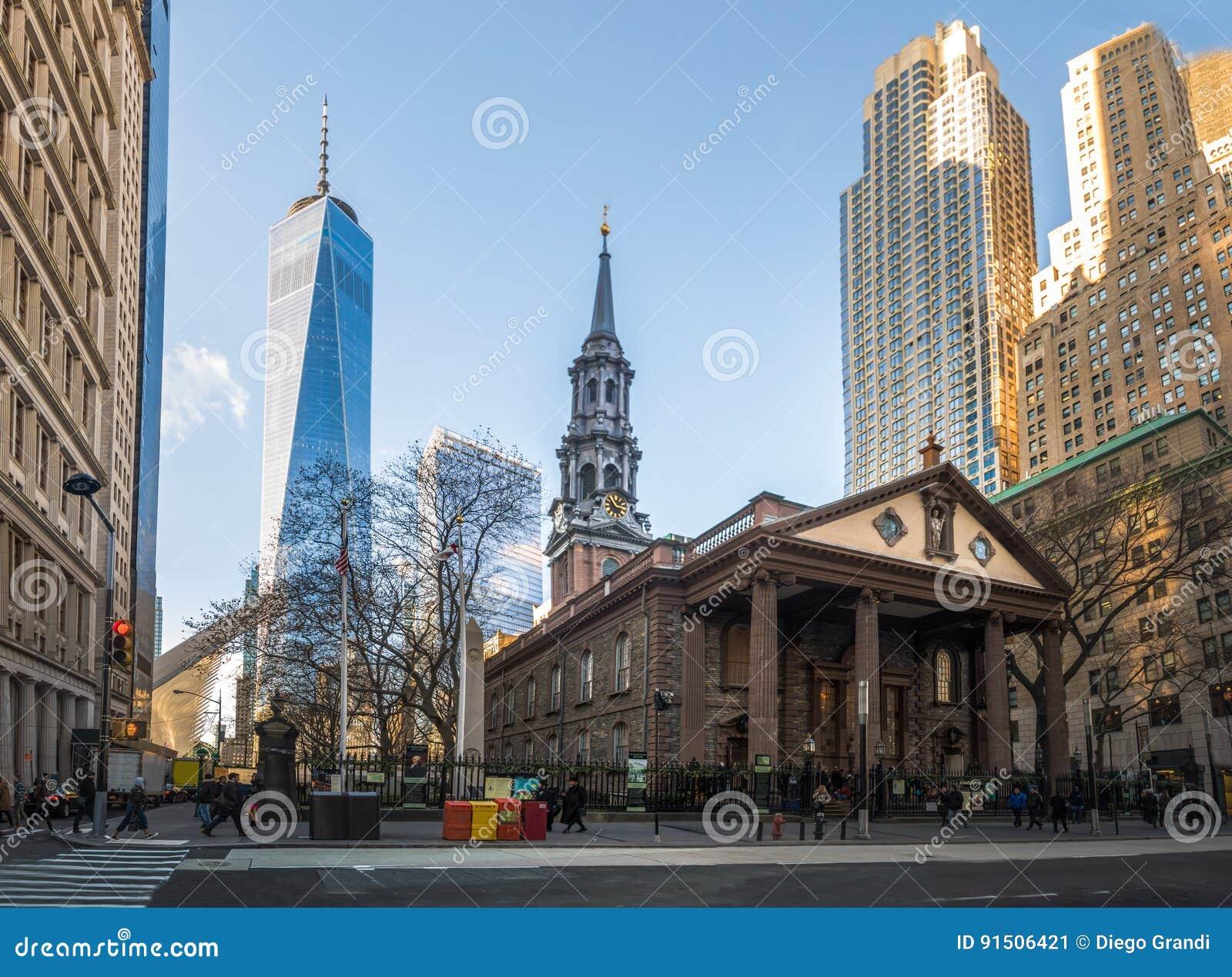 St Pauls Chapel en Één World Trade Center bij Lower Manhattan - New York, de V.S.