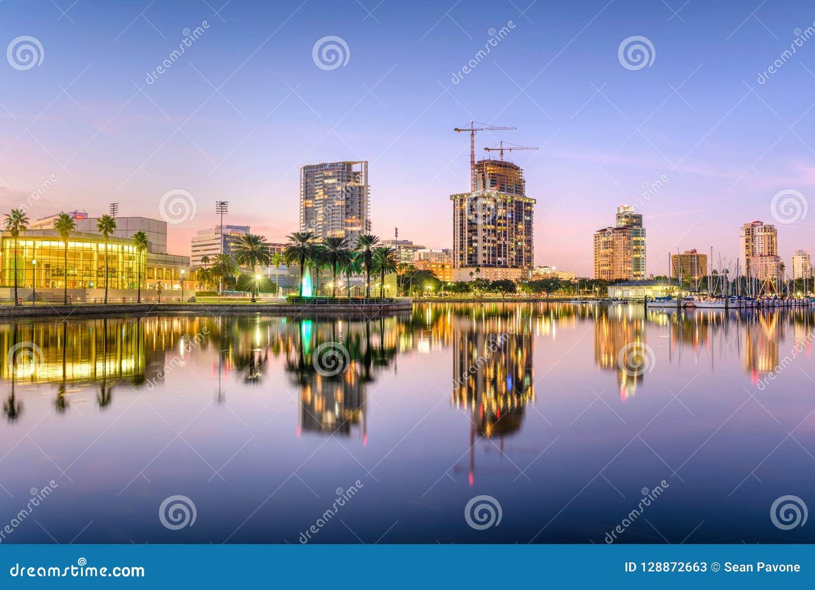 St Petersburg, Floryda linia horyzontu