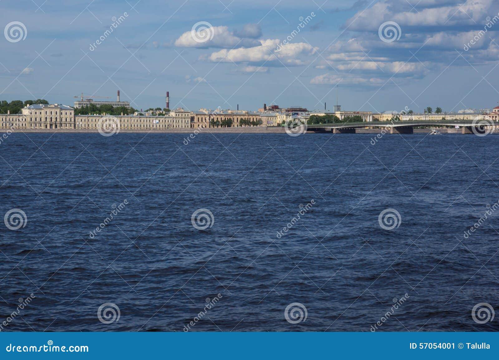 St. Petersburg, mening van de stad van Neva River