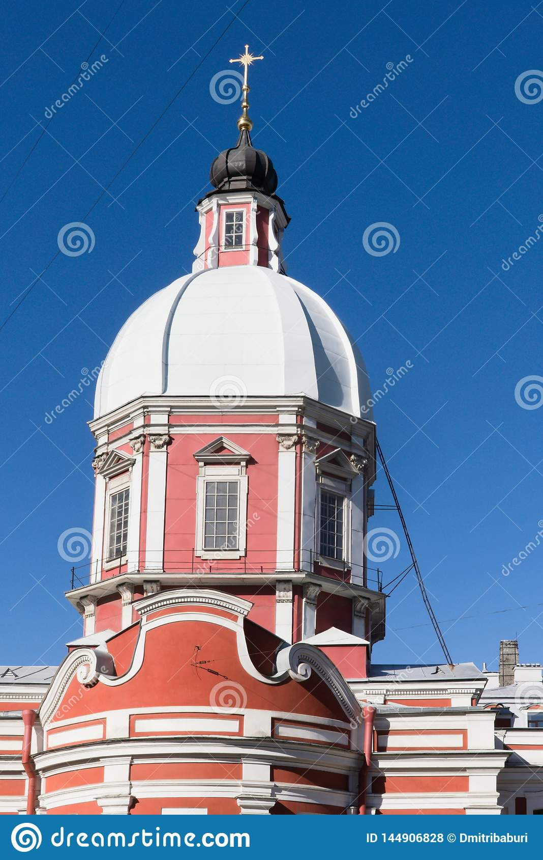 St Petersburg, R?ssia, em abril de 2019 A abóbada da igreja de St Panteleimon no centro da cidade