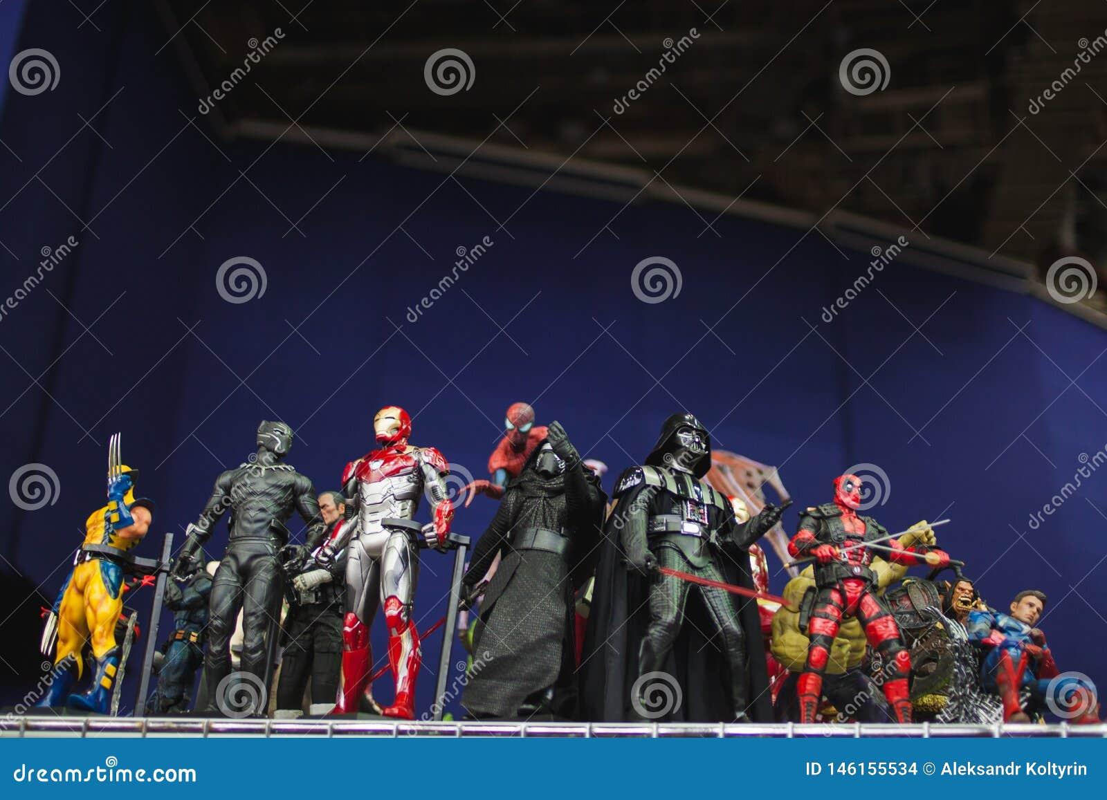 ST PETERSBURG, RUSSLAND - 27. APRIL 2019: Action-Figuren Star Wars-Charaktere und -Superhelden vom Wunderfilm