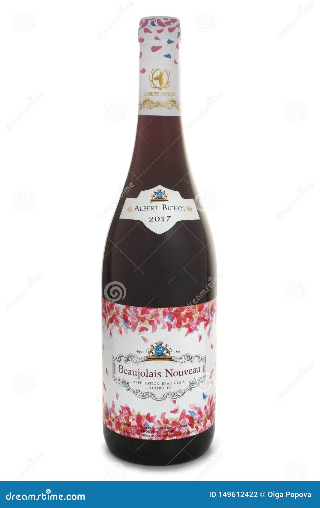 St PIETROBURGO, RUSSIA - 19 NOVEMBRE 2017: Bottiglia di Albert Bichot Beaujolais Nouveau, Borgogna, Francia, 2017