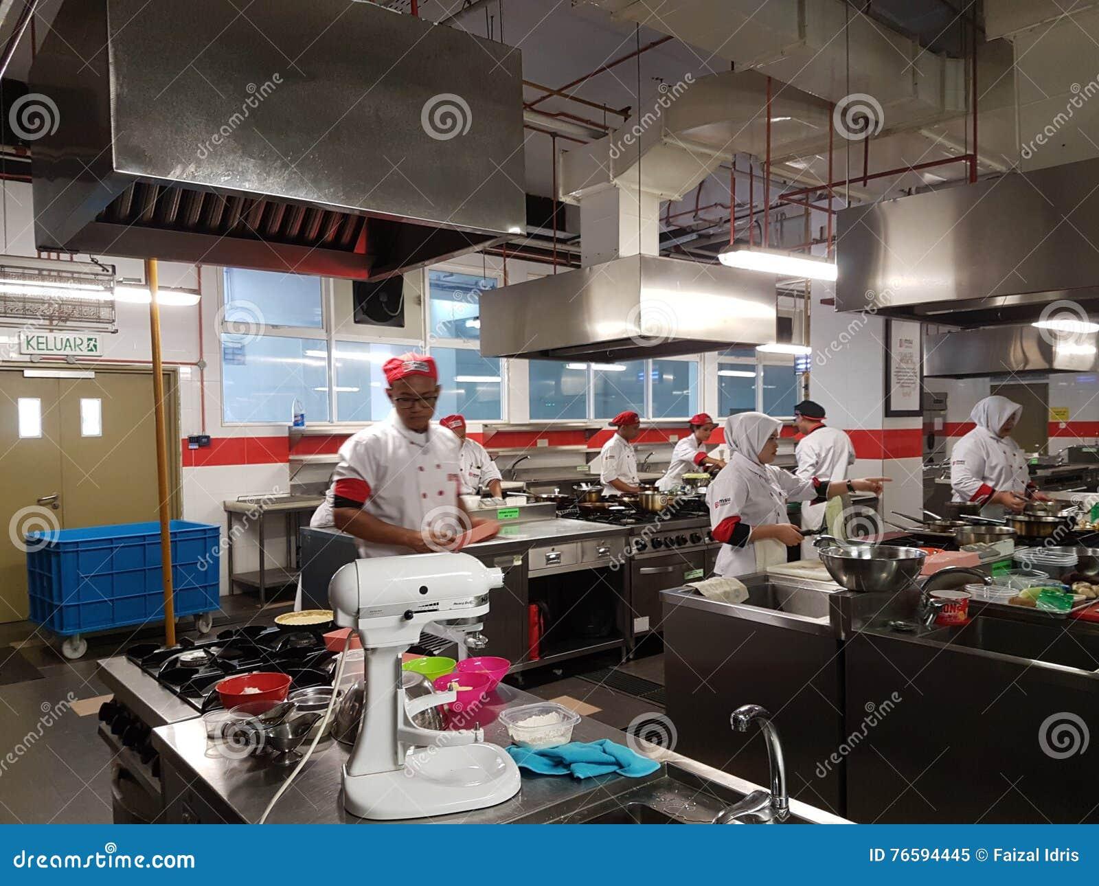 1st Sept 2016, Shah Alam Ungkarl av den kulinariska Art Student praktiska perioden