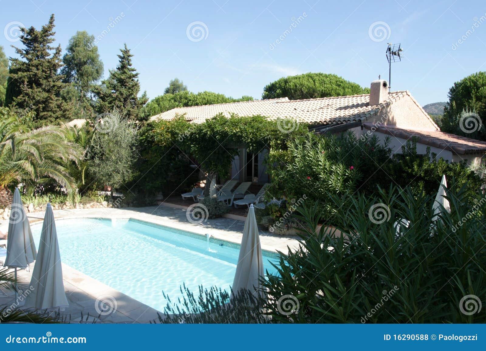 St Tropez villa with pool