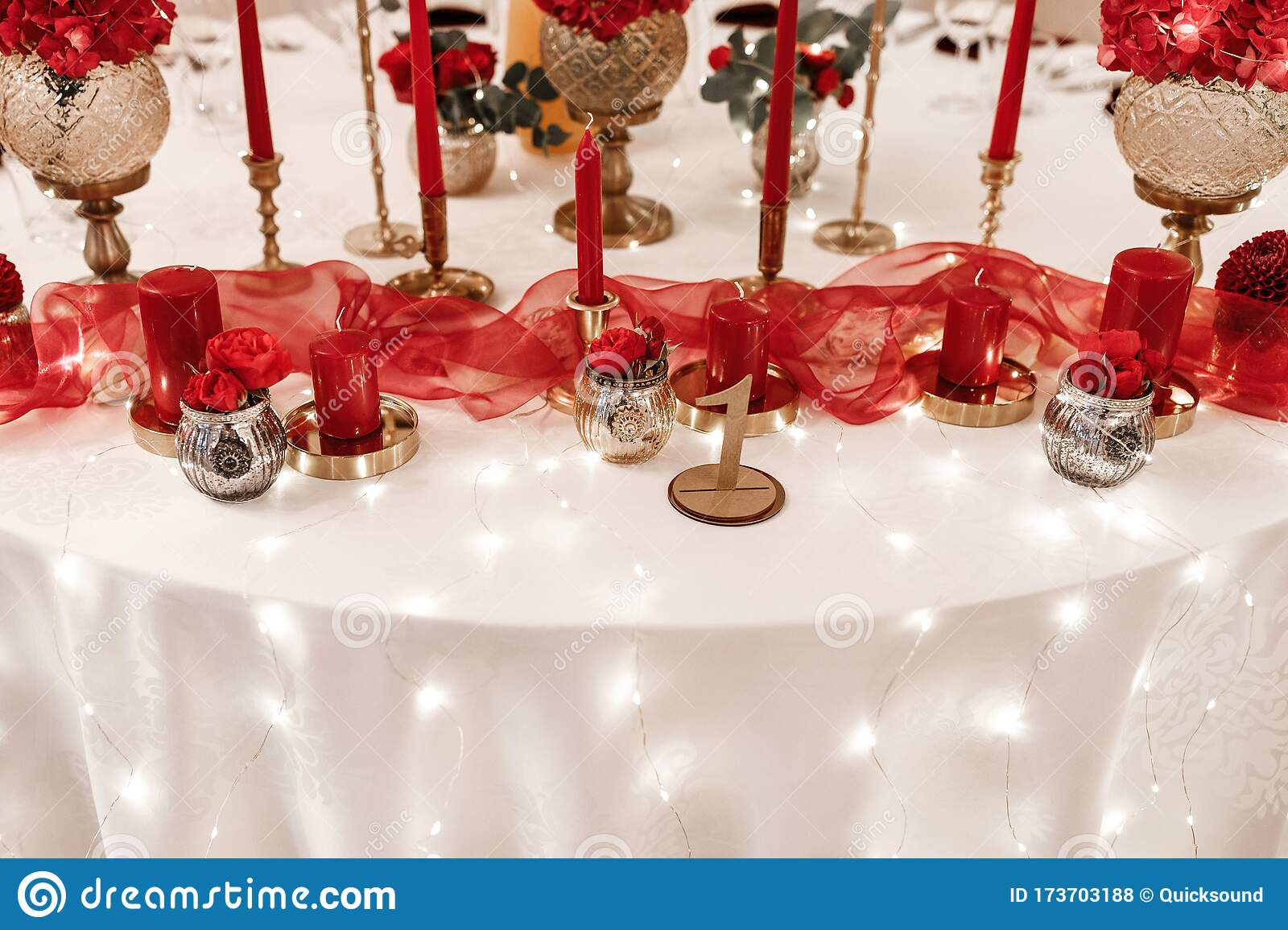 Red And Gold Table Decorations  from thumbs.dreamstime.com