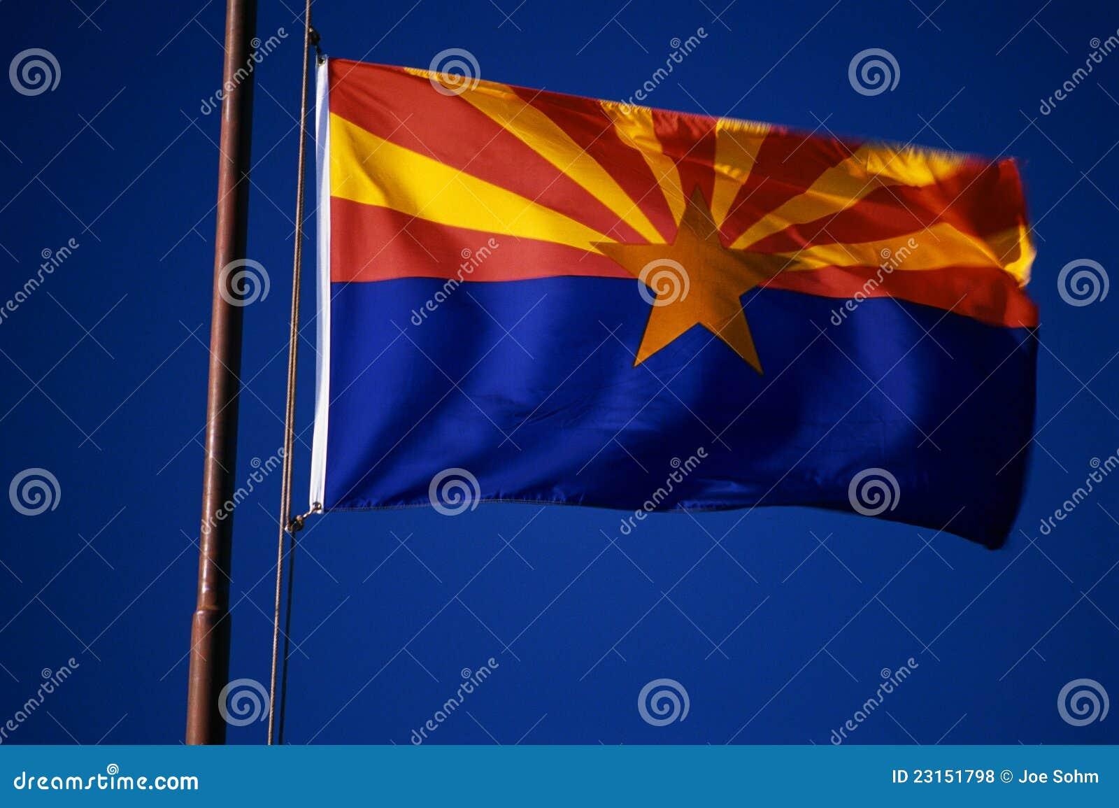 Staat Arizona-Markierungsfahnenflugwesen vom Fahnenmast