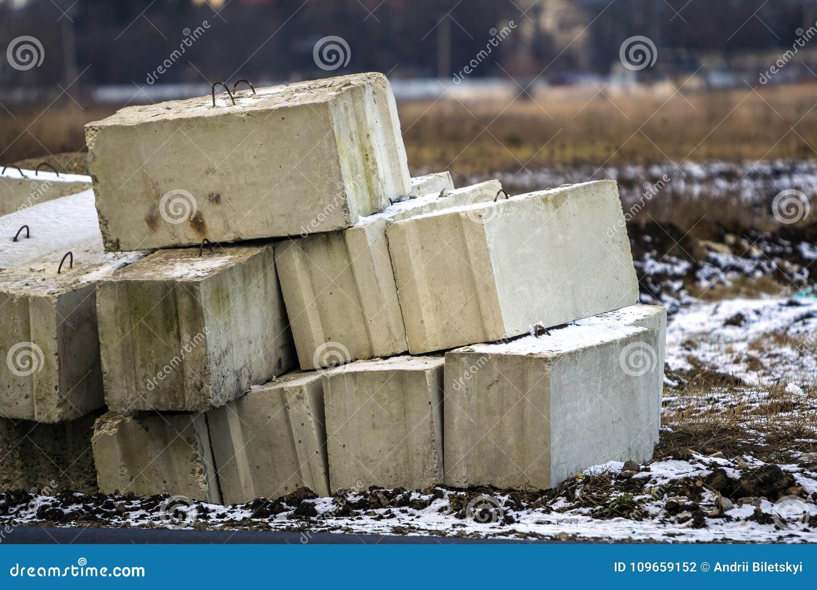 Concrete block in foundation construction 65