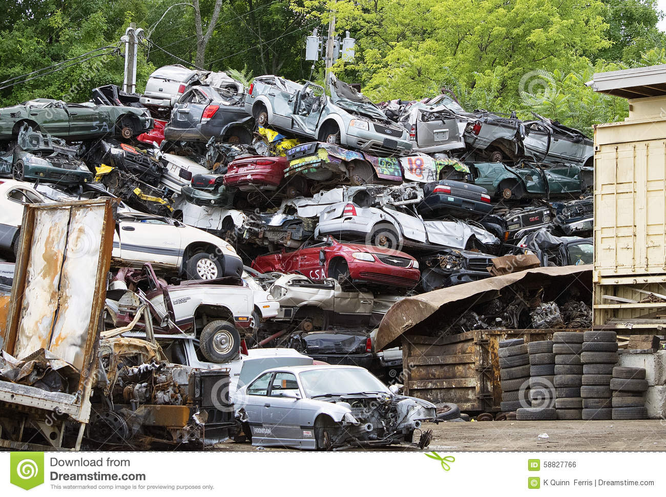 Stack of Junked Cars editorial photo. Image of salvage - 58827766