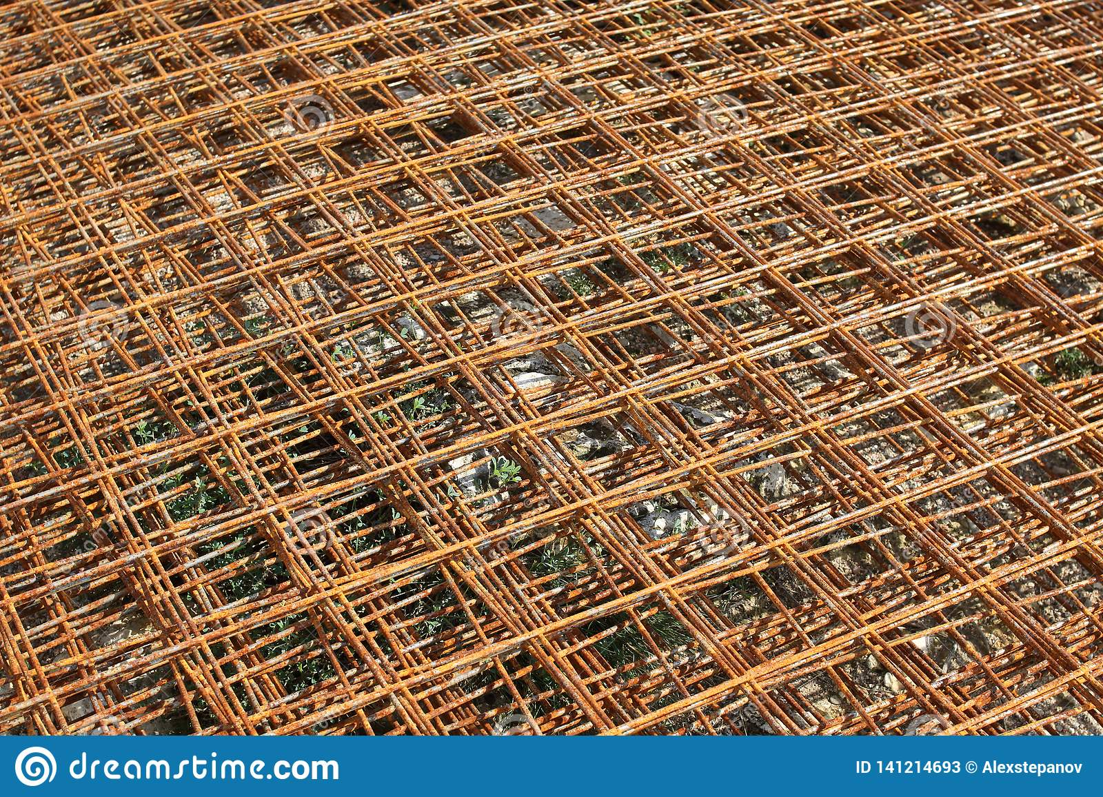 Stacked Rusty Steel Wire Mesh For Slab Concrete Work At