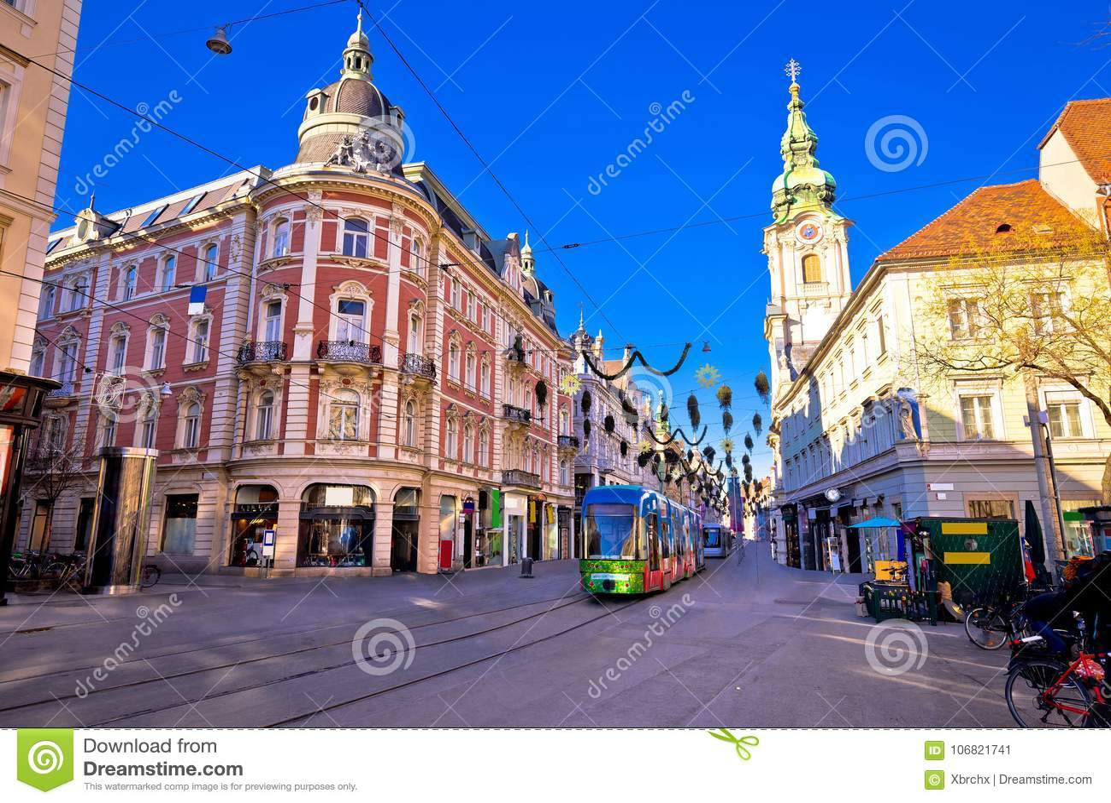 Stad av sikten för advent Graz Hauptplatz för huvudsaklig fyrkant