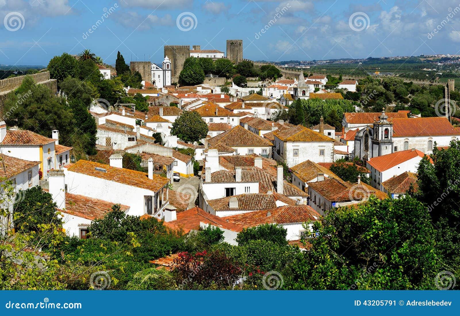 Download Stad Inom Slottväggar, Obidos, Portugal Fotografering för Bildbyråer - Bild av pittoreskt, bostads: 43205791