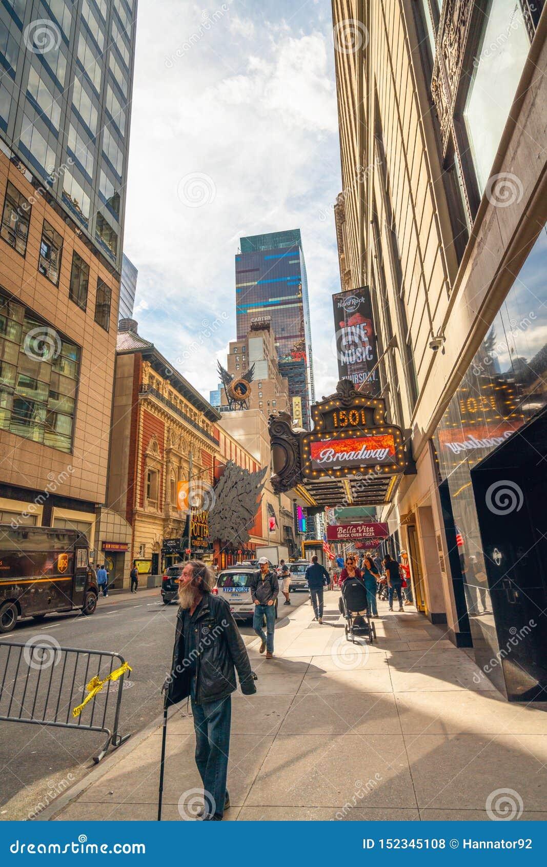 Stad New York Paramount byggnad, Broadway som 1501 lokaliseras mellan v?stra 43rd och 44th gator i Times Square Street View Hom