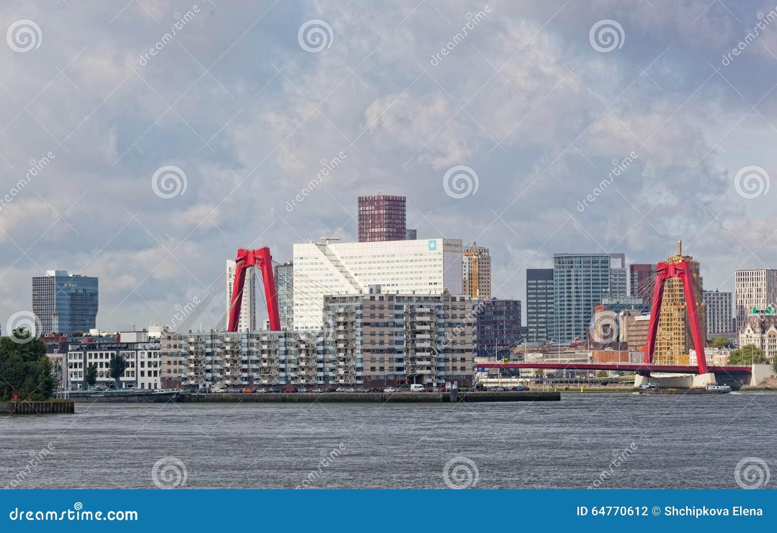 Staden beskådar Rotterdam
