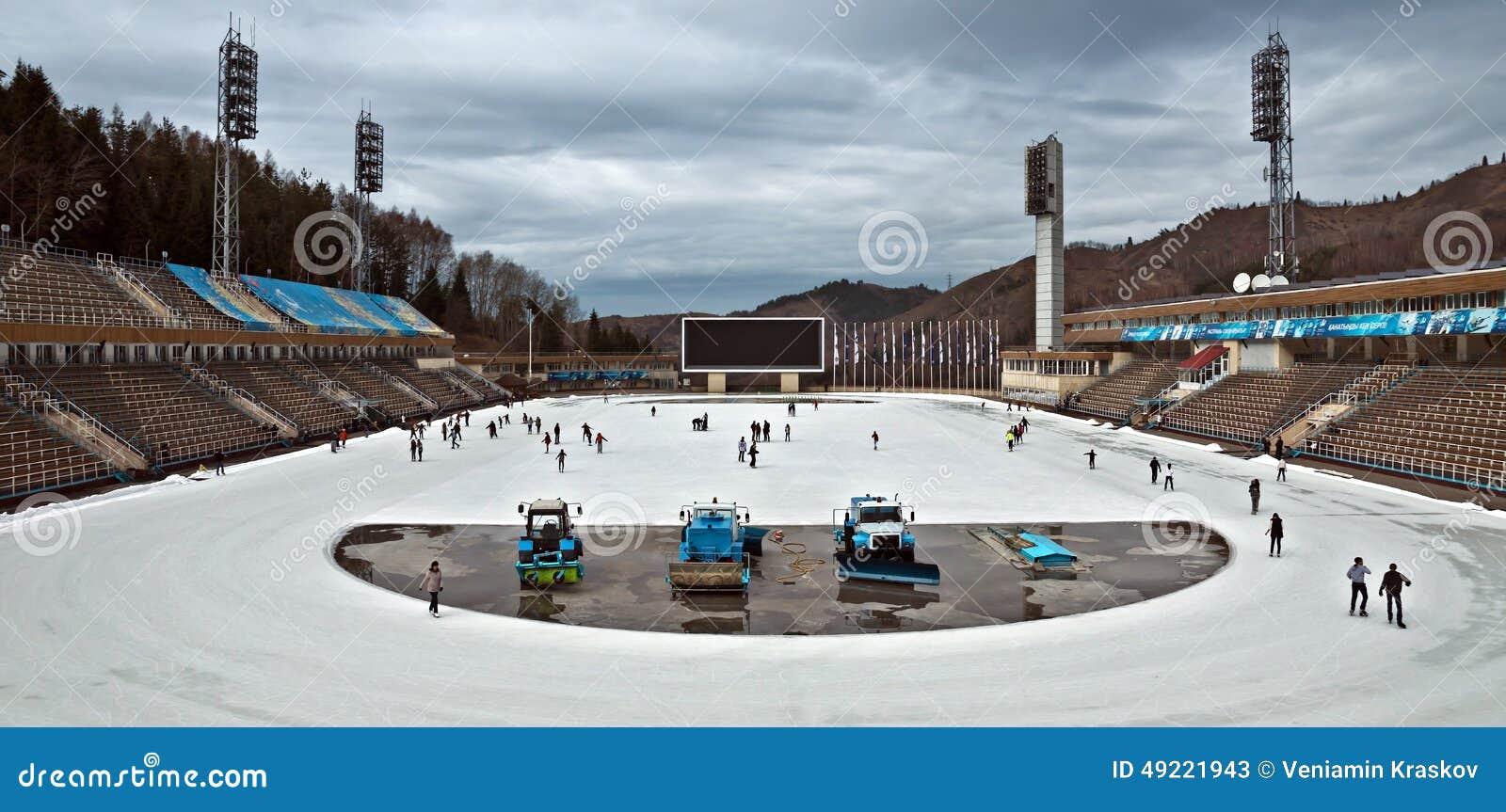 Stadio all aperto di Medeo - di Almaty