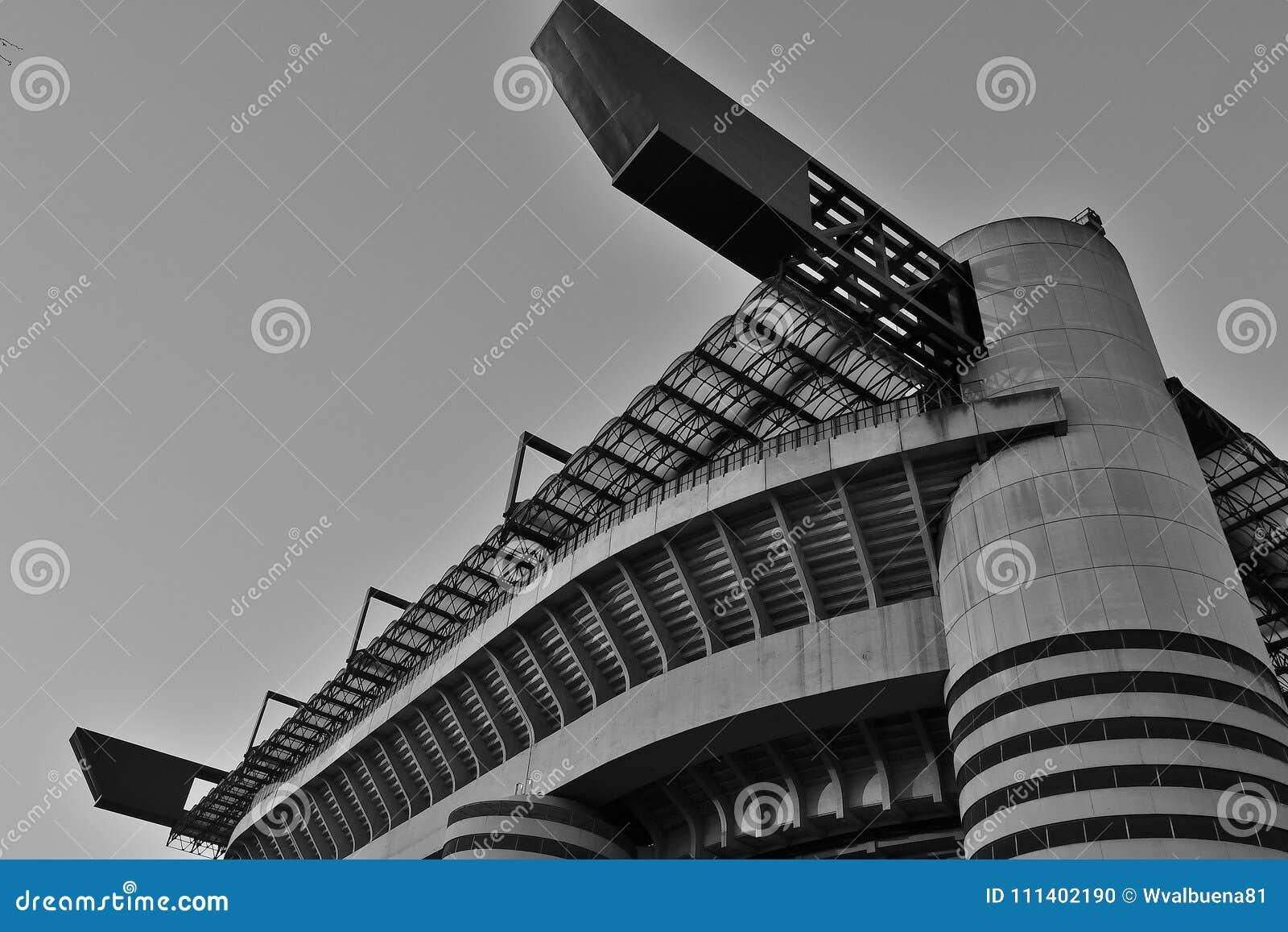 Stadio di football americano di San Siro nel monocromio