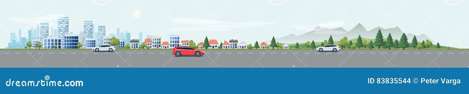 Stads- landskapgataväg med bilar och stadsnaturbakgrund