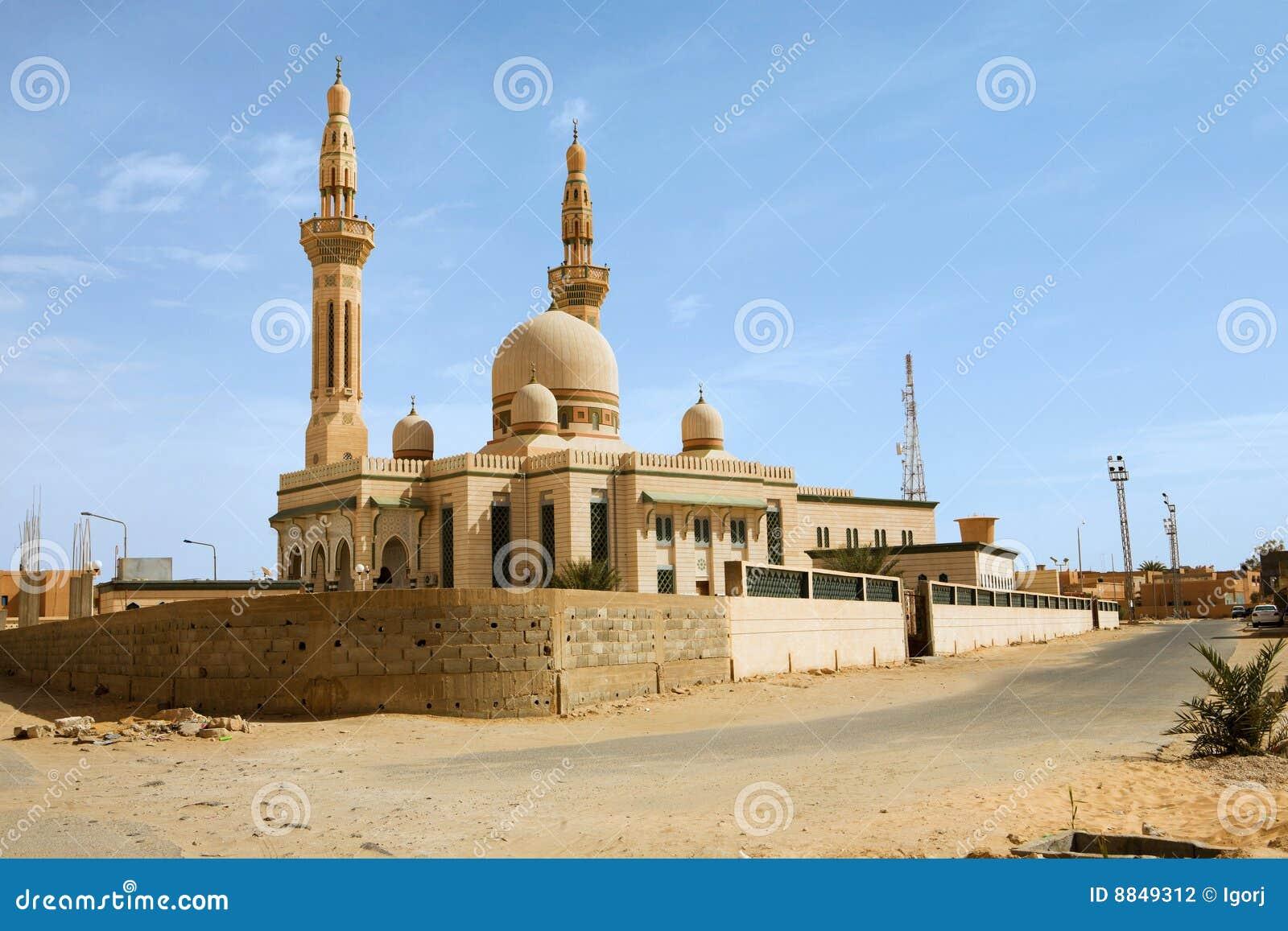 Stadsghadamislibya moské