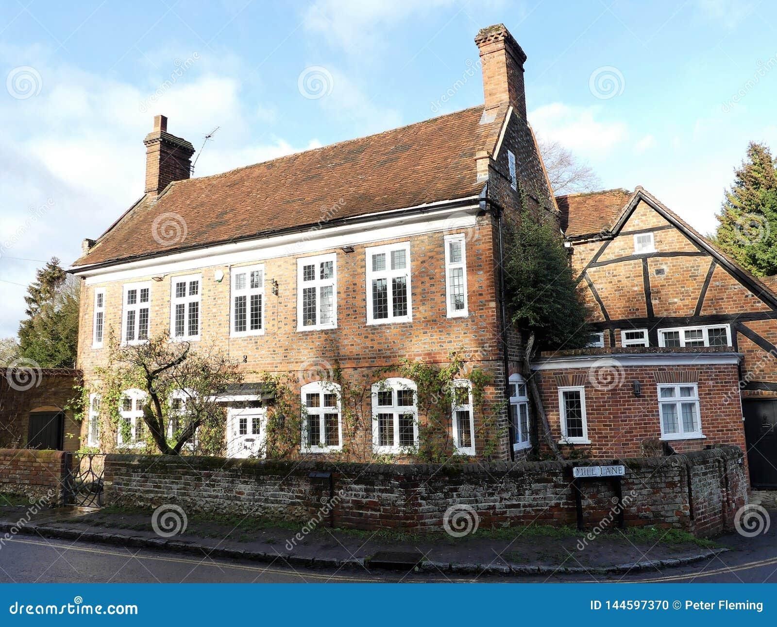Stadsmolen, 191 Molensteeg, Oude Amersham, Buckinghamshire Het bezit maakte deel uit van een korenmolen tot jaren  30