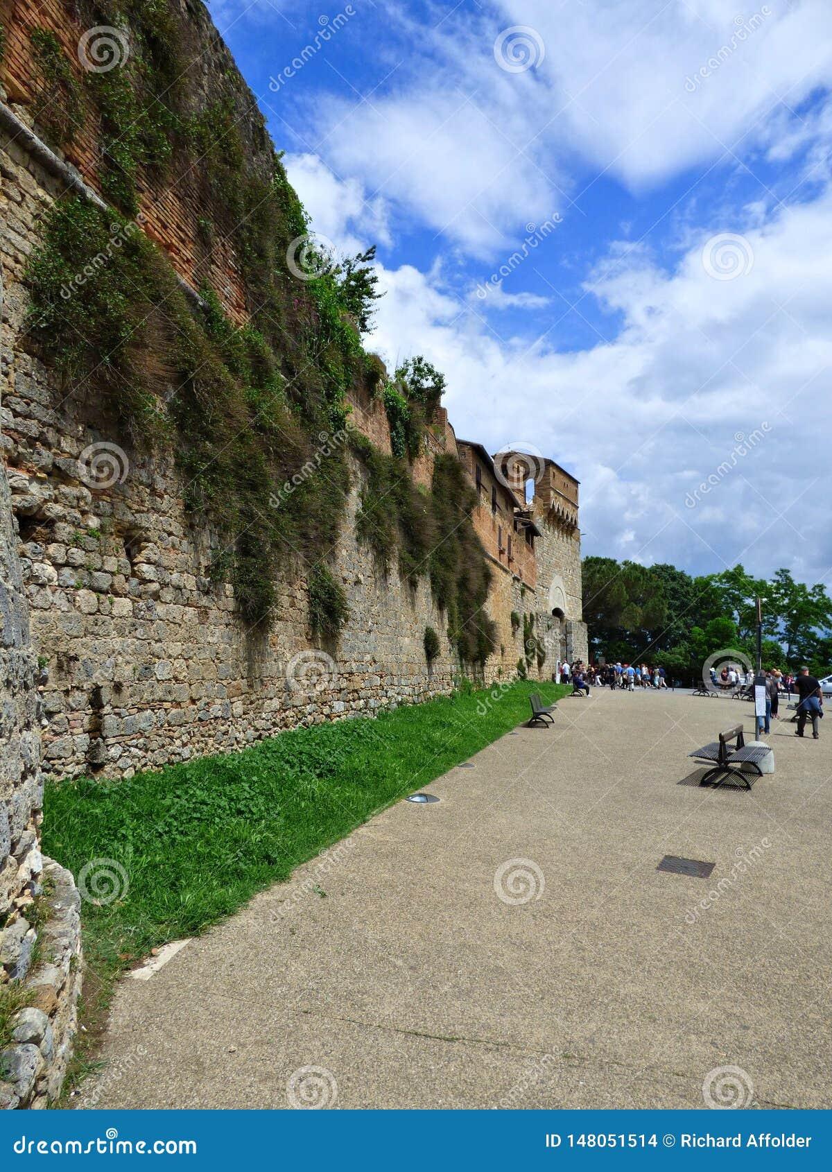 Stadsväggen av Siena, Italien