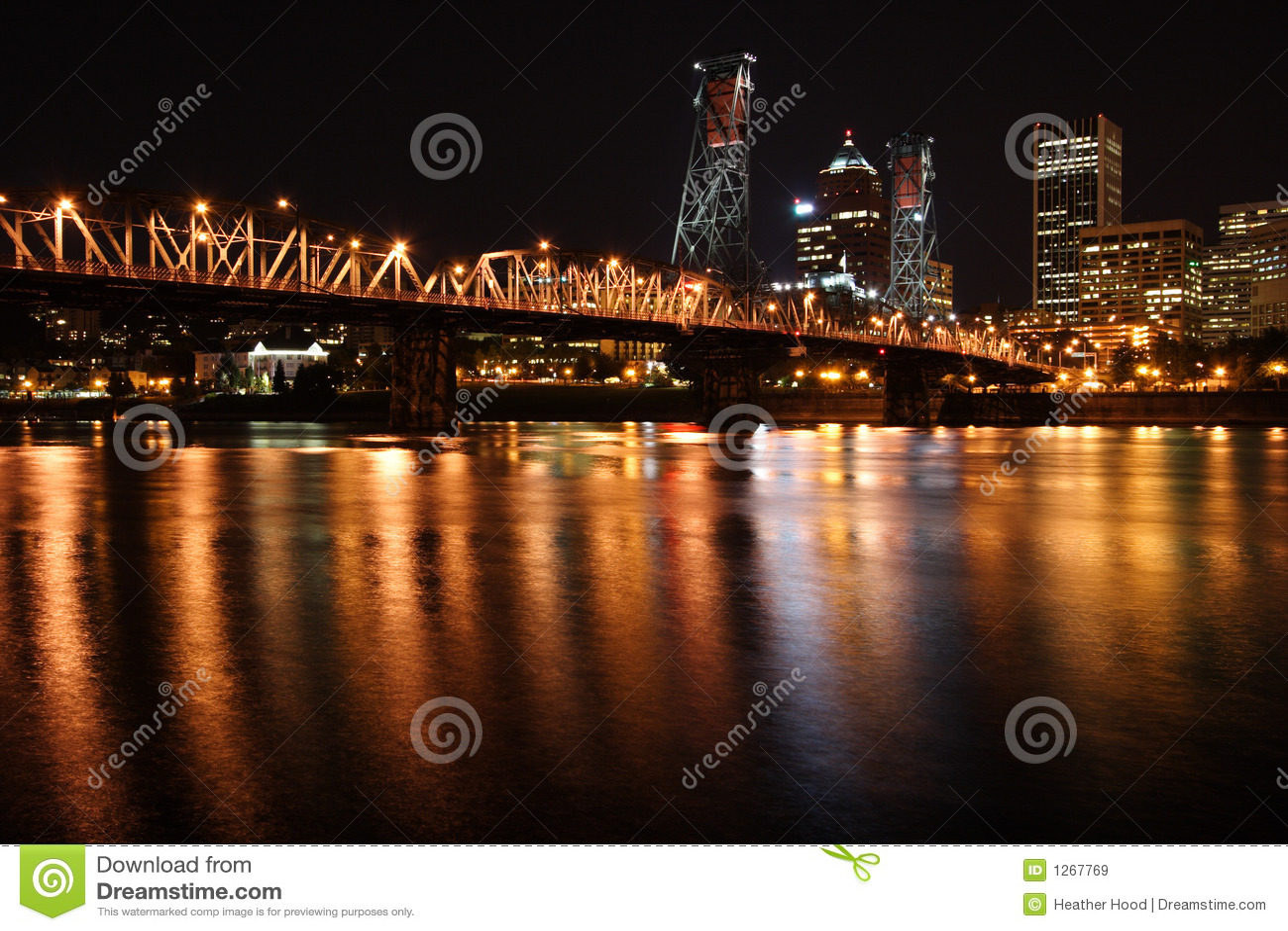 Stadt-Skyline nachts