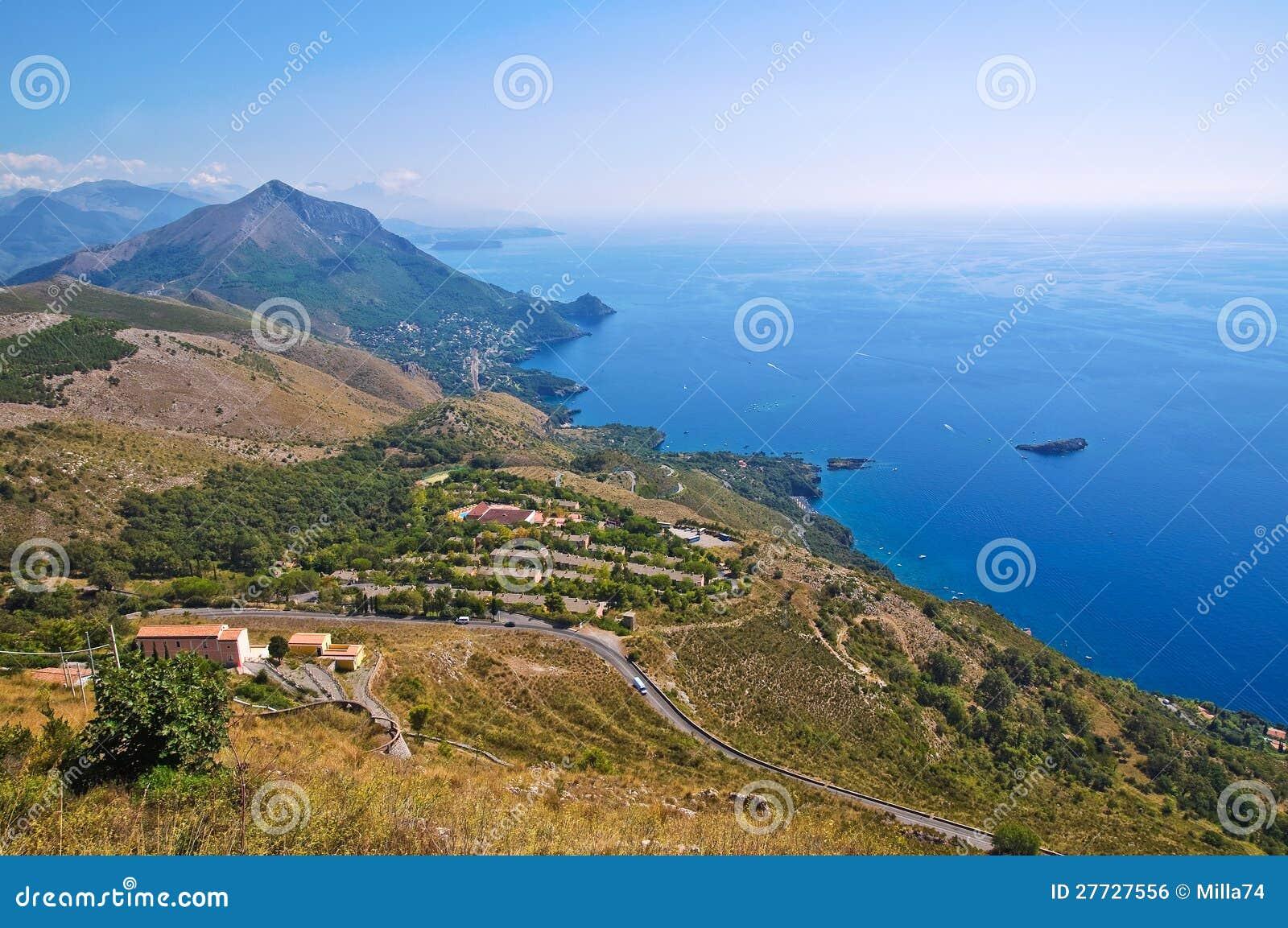 Stadtbild. Panoramablick von Maratea. Basilikata. Italien.