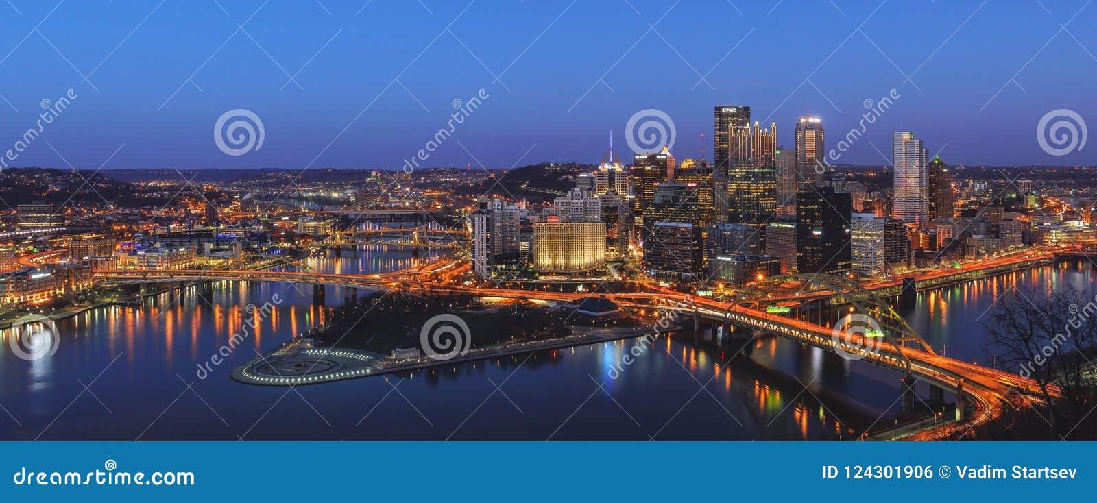 Stadtzentrum von Pittsburg nachts