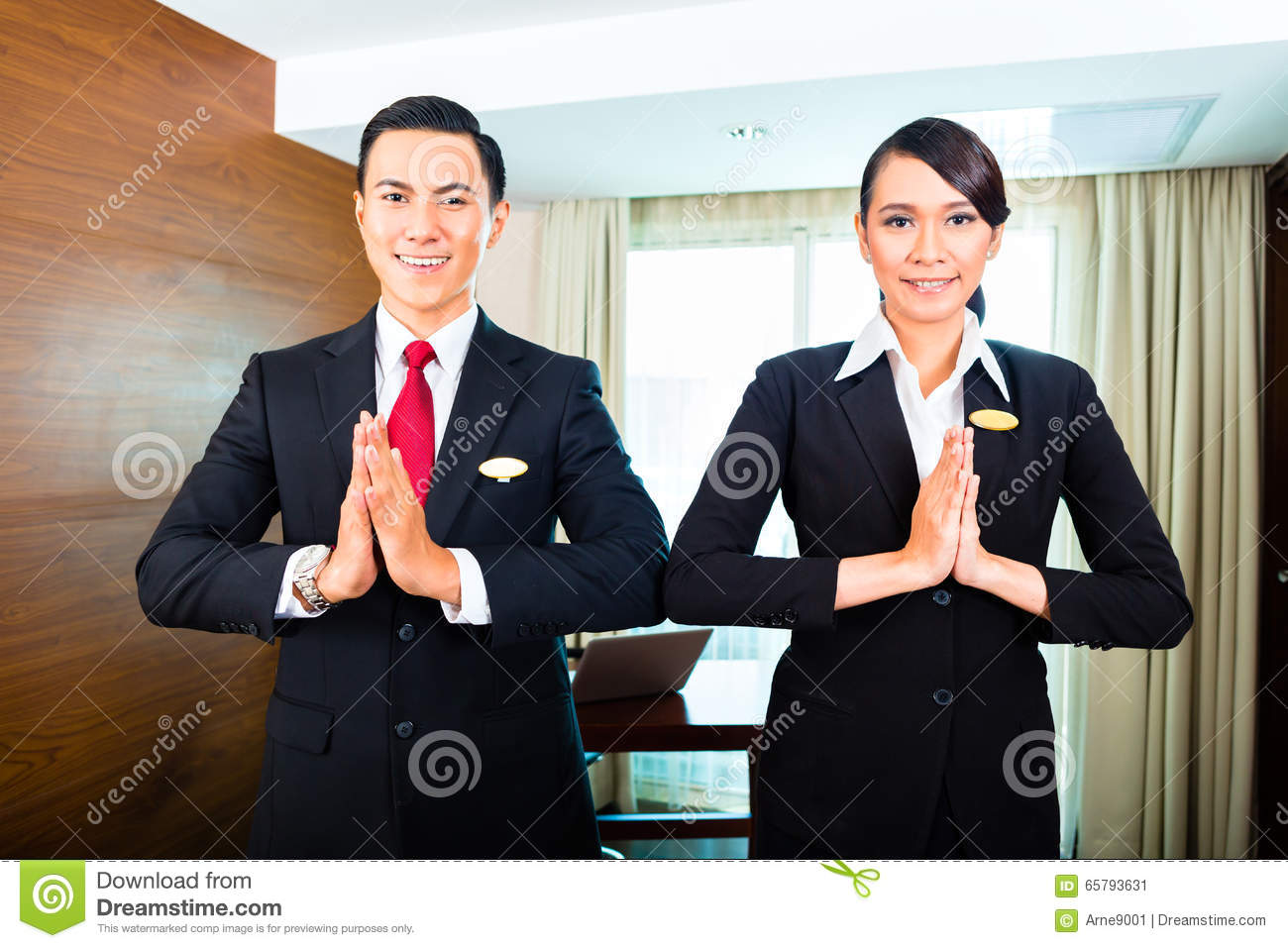 99074590e6c2 Staff Greeting Guests In Asian Hotel Stock Image - Image of ...