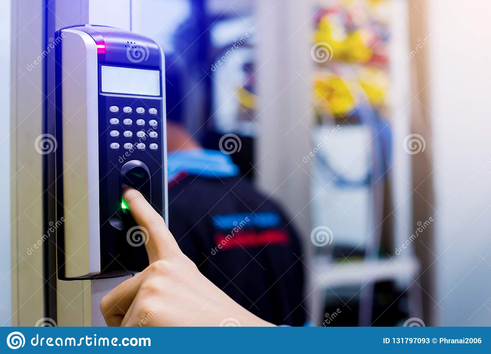Staff Push Down Electronic Control Machine With Finger Scan