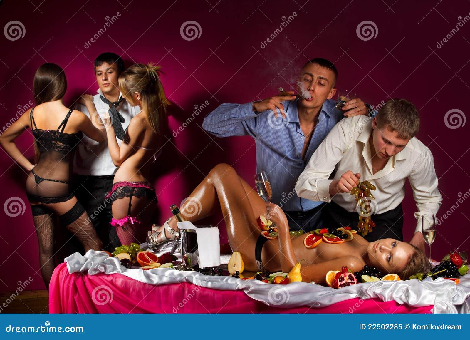 Свинг вечеринка в спб 1 фотография