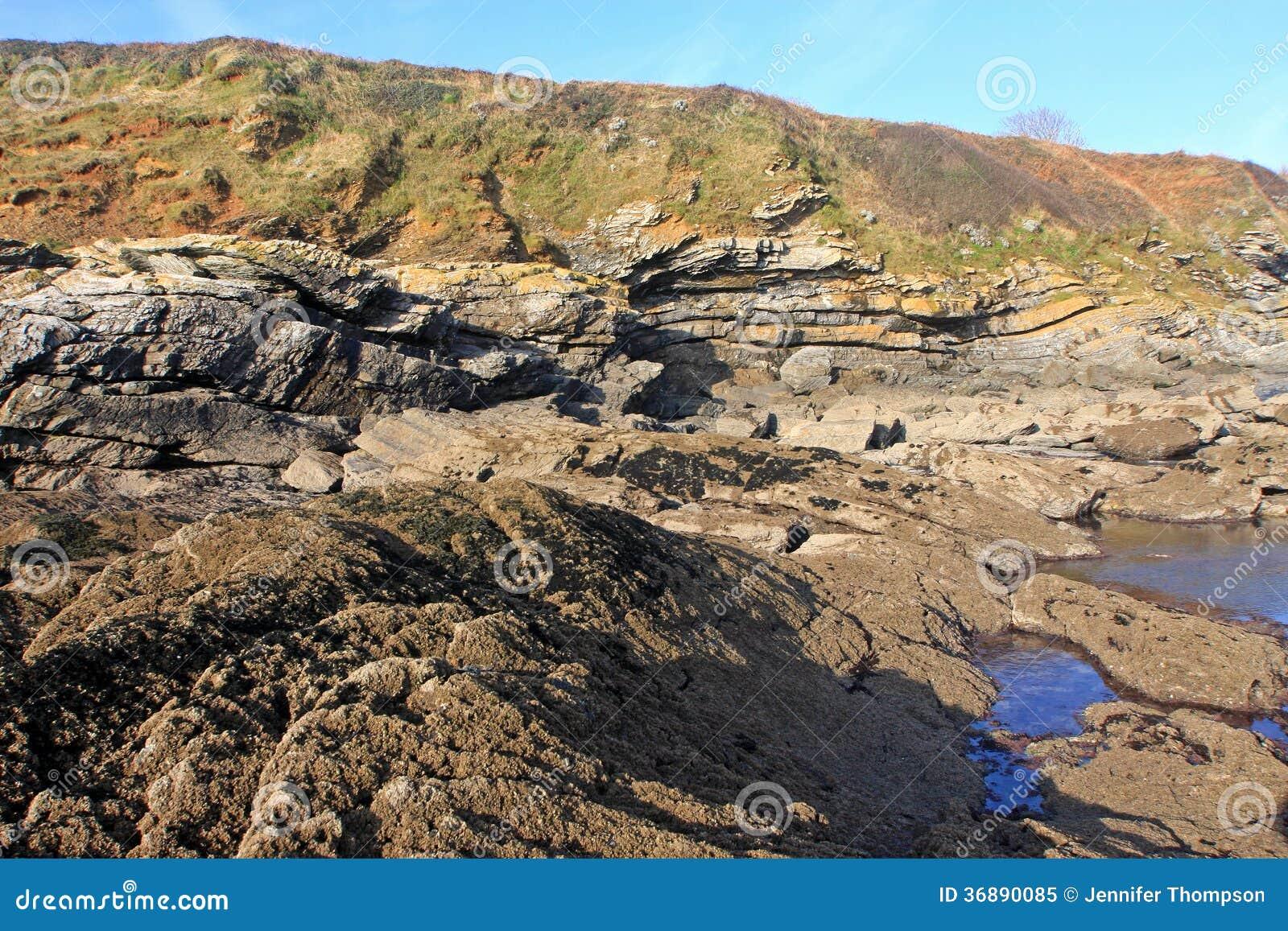 Download Stagni della roccia immagine stock. Immagine di roccioso - 36890085