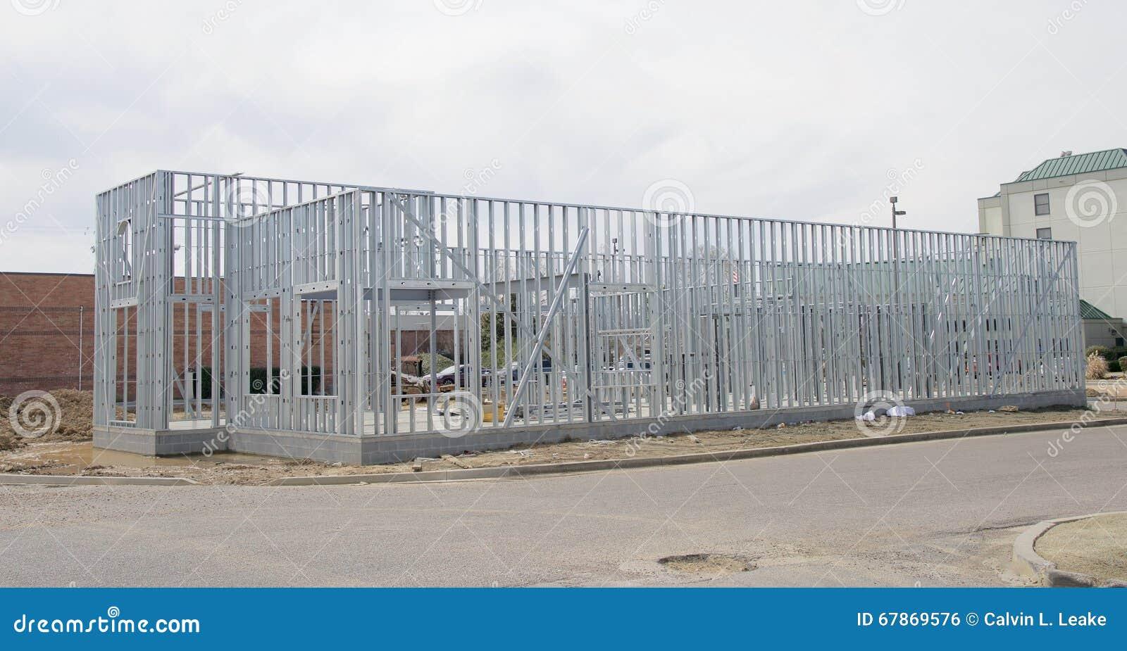 Stahlrahmen Eines Gebäudes Im Bau Stockfoto - Bild von außen ...