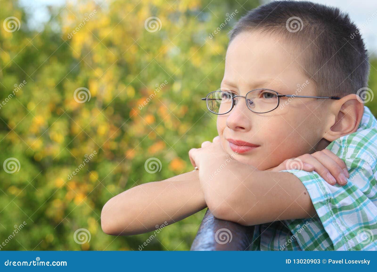 Staket för pojkebrovinkelröret lutar little
